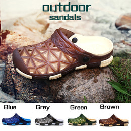 $enCountryForm.capitalKeyWord Canada - Wholesale Fashion New Style Sandals Heels Summer Men Beach Sandals Hollow Out Shoes Travel Leisure Slippers Outdoor Slippers For Men Clogs