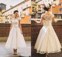 $enCountryForm.capitalKeyWord Australia - Vintage Lvory Lace Applique Short Sleeves Wedding Dresses Tea Length Button Full Back Garden Beach Formal Gowns Bridal Party HY4040