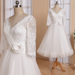 Edged Skirt Canada - 50s Wedding dress Lace Top Tulle Skirt Lace Scalloped edge at Skirt Hem Tea Length Bridal Gowns V Neck RLL025