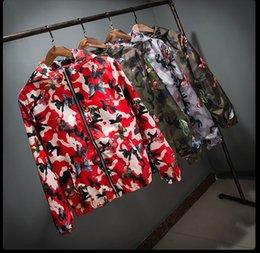 Alta Qualidade Mens Verão Camo Blusão Jaqueta Masculina Fina Camuflagem Blusão Casacos 2018 Primavera Com Capuz Blusão Da Borboleta venda por atacado