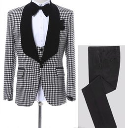 ed8b48522dbf2 Neueste Hahnentritt Männer Hochzeit Anzüge One Button Bräutigam Smoking  Schal Revers Männer Prom Dinner Business Anzug (Jacke + Hose + Weste)