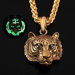 $enCountryForm.capitalKeyWord Australia - 2018 hot sale Hot fashion creative Men Luminous Tiger Head Pendant Necklace Chain Hip Hop necklaces for biker the hiphop king