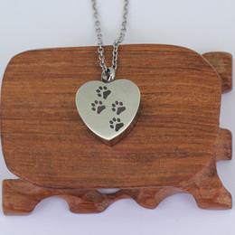 $enCountryForm.capitalKeyWord NZ - Paw engraved on heart pendant for pet Memorial P628