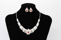 $enCountryForm.capitalKeyWord NZ - Wholesale Free Shipping Bridal Jewellery Sparkly Diamond Rhinestone Earrings Necklace Sets Cheap Wedding Jewelry Set For Prom Party