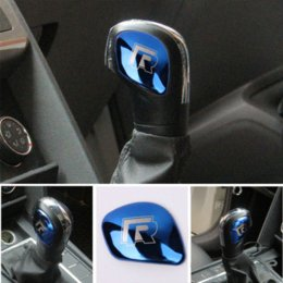 Toptan satış AEING Araba Vites Topuzu Dişli Başkanı Kapak R Sembol Çıkartmaları VW Volkswagen Golf 7 MK7 Golf 5 6 Passat B5