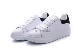 buy popular 0c4bd d1d5f Luxury Designer Uomo Scarpe casual a buon mercato Top qualità Mens Womens  Fashion Sneakers Partito Scarpe da corsa Velluto sportivo Sneakers Tennis