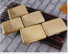 $enCountryForm.capitalKeyWord NZ - free shipping USA sculpture golden Luxury man Cigarette Case Box pocket gold Retro Metal Smoking Tobacco Box Holder For 16 pcs Cigarettes