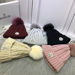 2018 nouveau bonnet en laine haut de gamme avec boule de fourrure de renard, excellente qualité, sauvage et stylé