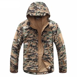 SportS army camouflage clothing online shopping - 2019 NEW New Digital Camouflage Tactical Gear Military Army Jacket Men Softshell Waterproof Hunting Clothes Winter Sport Outdoor Jackets