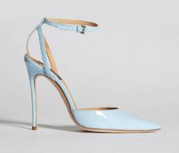 9b26820735 2018 Nuevas mujeres azul tacones altos del talón delgado correa del tobillo  bombas zapatos de fiesta bombas de color azul claro zapatos de vestir  zapatos de ...
