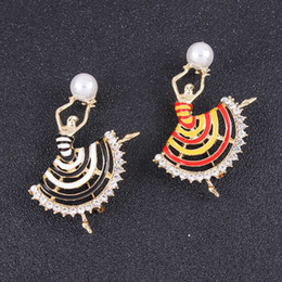 wholesale pearl diamond brooch Canada - Pearl ballet dancer brooches pins diamond Suits scarves cardigan sweater accessories two colors black&white red&yellow Fashion personality
