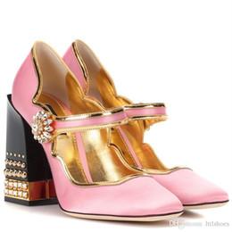5f085dcab7 2018 brand new design estilo lolita rosa cetim mary jane sapatos grosso  robusto jóias salto strass fivela mulheres bombas