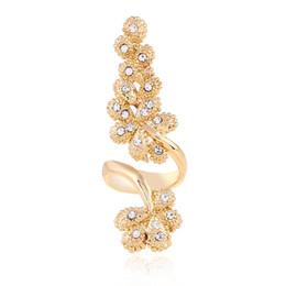 Crystal Wedding Band UK - Fashional Korea Style White Crystal Band Ring For Women wedding party Gift Golden Flower Forefinger Ring Elegant Spiral Rings Jewelry