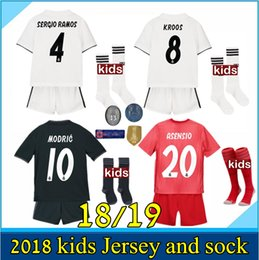 a4a14f2dc new 2018 2019 Real Madrid soccer jersey kids kits 18 19 RONALDO Asensio  SERGIO MODRIC RAMOS MARCELO BALE ISCO child Football shirts Sets