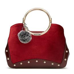 China New European and American Fashion Atmosphere Portable Women Bag Autumn and Winter Wild Shoulder Wedding Bridal Bag Handbag suppliers