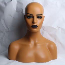 Venta al por mayor de Nuevo maquillaje negro labio fibra de vidrio afroamericano femenino negro maniquí cabeza busto para pelucas de encaje pantalla