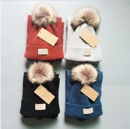Los niños de punto bufanda de piel Pom Hat 2 unids Set Luxury Beanies  Winter Warm Crochet bufandas para niñas niños niño esquí de esquí al aire  libre ... 303d502b16c