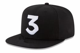 Venta al por mayor de 2017 Popular chance the rapper 3 Sombrero Gorra Bordada Carta Negra Gorra de béisbol Streetwear Streetwear Strapback Snapback Sombrero de Sol Hueso
