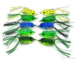 Venta al por mayor de HENGJIA 10pcs / lot Pesca de superficie con alto carbono Suave rana Cebo 5.5 CM 8G Agua dulce Bajo Leucomas Crappie Minnow Señuelos de pesca al por mayor