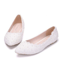 $enCountryForm.capitalKeyWord UK - New Beautiful White Women Flats Lace Flowers Pointed Toe Flat Pearls Wedding Shoes Plus Size