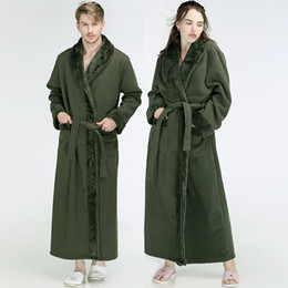 Men Women Winter Extra Long Flannel Fur Warm Bathrobe Luxury Thick Fleece  Bath Robe Mens Soft Thermal Dressing Gown Male Robes 9b46fe3cf