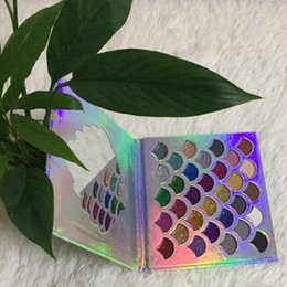 $enCountryForm.capitalKeyWord Canada - HOT newly Brand beauty Fish eye shadow Glitter Prism Palette by Cleof Cosmetics Fish Scales design free shipping