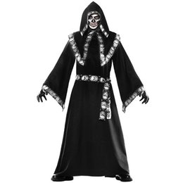Wholesale Men s Halloween cape wizard costume for cosplay clothing role playing Europe and the United States men s suits