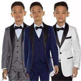 Großhandel Stilvolle Maßgeschneiderte Junge Smoking Schal Revers One Button Kinder Kleidung Für Hochzeit Kinder Anzug Junge Set (jacke + Pants + Bow + Vest)