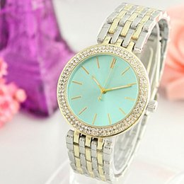 Chinese  Ultra thin rose gold woman diamond flower watches brand luxury nurse ladies dresses female Folding buckle wristwatch gifts for girls new hot manufacturers