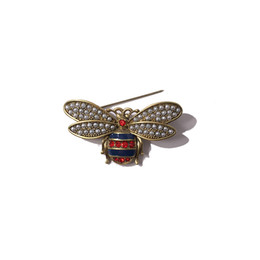 Insect Wings NZ - Fashion copper material retro pearl double-winged bee brooch for ladies red and blue diamond brooch jewelry