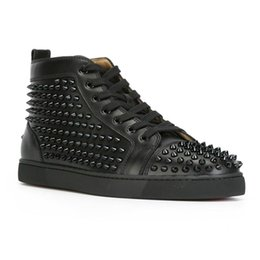 Chinese  Men Women Designer Brand Red Bottom Shoes Fashion Spikes Studded Spikes Flats Sneakers Comfortable Party Lovers Genuine Leather Casual Shoes manufacturers
