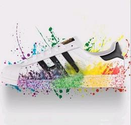 canvas shoes black white colour 2019 - Big size EU36-46 Originals Men's Shoes For Women's Shoes White Shoe Laser Dazzle Colour Superstar Shell Head c
