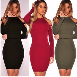 Tau Schulter Paket hip Kleid, das Kleid ist pour Farbe, Design ist sehr sexy, haben drei Farben. Stoffe ist elastisch. Einfach und schön im Angebot