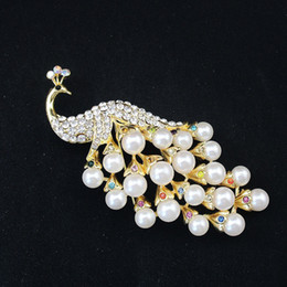 Women s Multi-colored Crystal Peacock Brooch Full of Rhinestone and Pearls  Zinc Alloy Elegant Lapel Pin Jewelry Accessory for Christmas Gift 29d6f1551ef9