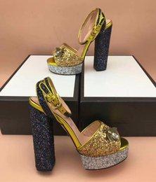 Plataforma sexy Sandalias de tacón alto Mujeres Bombas Patchwork Brillo con lentejuelas Chunky Heel Vestido de fiesta de boda Zapatos de las señoras en venta