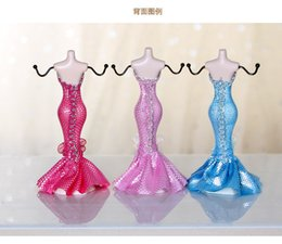 mannequin jewelry displays stand rack UK - Creative resin Mannequin jewelry display stand necklace earrings rings jewelry storage rack 18cm mini model shape jewelries display props