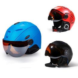 $enCountryForm.capitalKeyWord Australia - Unisex Skiing Helmet Ultralight Ski Helmets With Goggles Snow Skiing Helmets Winter Outdoor Sports Windproof Helmet