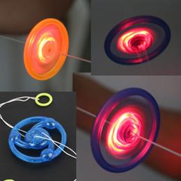30 PCS Engraçado Apressado Juguetes Mão Puxar Luminosa Piscando Corda Brinquedo Do Volante Levou Light Up Brinquedos Para Presente de Aniversário das Crianças venda por atacado