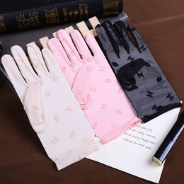 Wholesale Spring Summer Lace Fingers Lady Gloves Women Sun Protection Gloves
