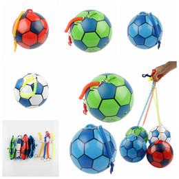 20 cm PVC Gonflable Entraînement Football avec Chaîne Piscine Football Jouer Eau Jeu Ballons Plage Fête Sport Jouets Articles De Nouveauté GGA1172