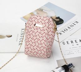 Cute Phone Chains Canada - 2018 summer new super cute mini shell mobile phone bag, old flower single shoulder slanting lady bag chain small bag T327