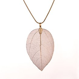 wholesale gold filled inch chains UK - Leaf Pendant 4 Color Leaves Alloy Pendant Necklace Leaf Shape Necklace 28 Inches Snake Chain Fashion Jewelry