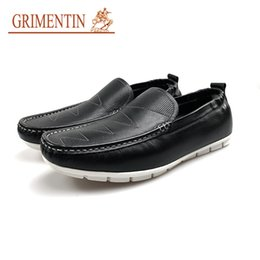 Grimentin Shoes UK - GRIMENTIN Hot Sale Brand Mens Loafers Italian Fashion Moccasins Male Shoes 100% Genuine Leather Black Tassel Slip On Solf Men Casual shoes