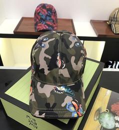 Gorras de bola de calidad superior Diseñador de marca Hombres y sombreros de las mujeres Posibilidad de los casquillos gorras del oeste de la letra Letra Gorros coloridos para hombres, mujeres con caja