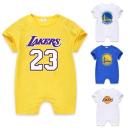 Опт 2018 лето мальчик одежда 100% хлопок баскетбол с короткими рукавами ползунки новорожденных одежда комбинезон короткая детская одежда
