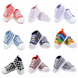 Wholesale Fashion infants newborn boy girl anti slip shoes prewalkers slip on walk shoes M baby first walkers