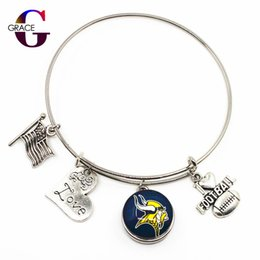 football christmas gifts 2019 - Fashion Heart Love Charms With Football Sports Team Glass Snap Buttons Adjustable Expandable Bangle Bracelet For Women c