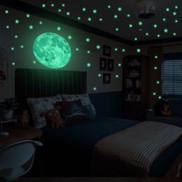 $enCountryForm.capitalKeyWord Australia - Stars Glow In The Dark Muti Pieces 2Size Luminous Stickers For Wall Window Ceiling Moon Star kids Rooms Bedroom Decoration F1215