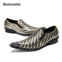 Shoes Metal Print Australia - 2018 New business leather Men Shoes Pointed Toe Metal Tip Woven Handmade Men Leather Dress Shoes Fashion Hairdresser Zapatos Hombre