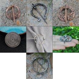 Vente en gros Broche Viking Collection Vintage Penannular Châle Écharpe Écharpe Fermoir Cape Épingle Médiévale Bijoux Norse Viking Badge Métal Badge